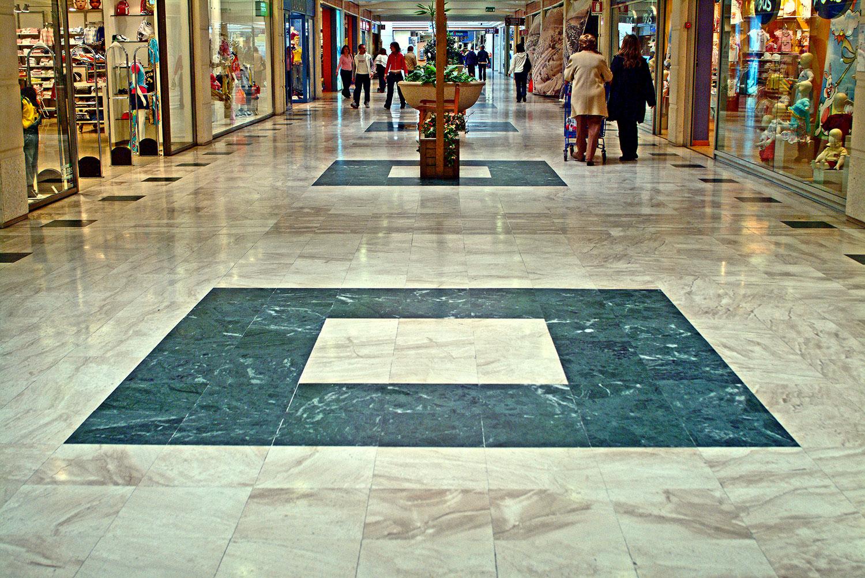 Le Vele Shopping Mall pavimentazione